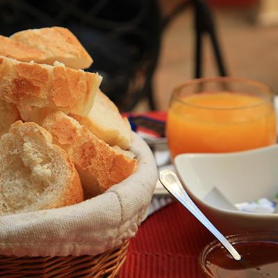 Petit Dejeuner / Breakfast